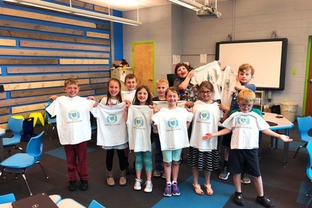Bon Air Elementary Students Set Up Shop and Design/Print T-Shirts